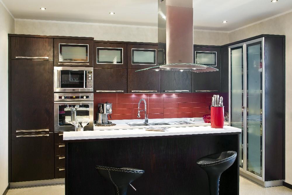 Cucina In Stile Moderno Isola Legno: Cucina in muratura cucine e ...
