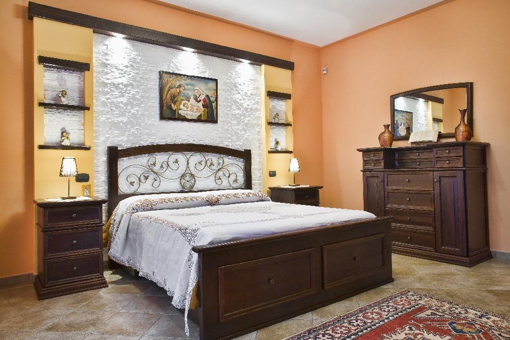 Pittura pareti camera da letto classica pw39 regardsdefemmes - Colori per camera ...